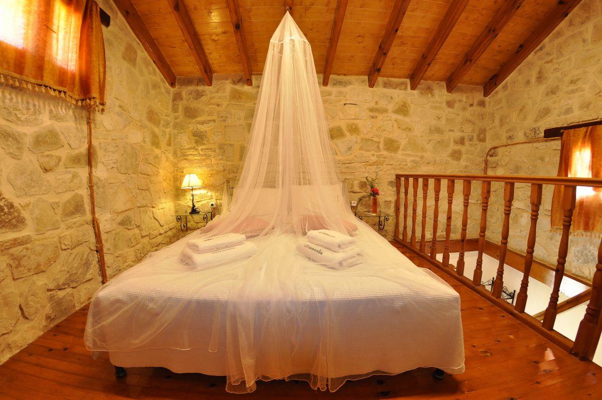 adamantia-hotel-gallery-rooms-photos-14.jpg