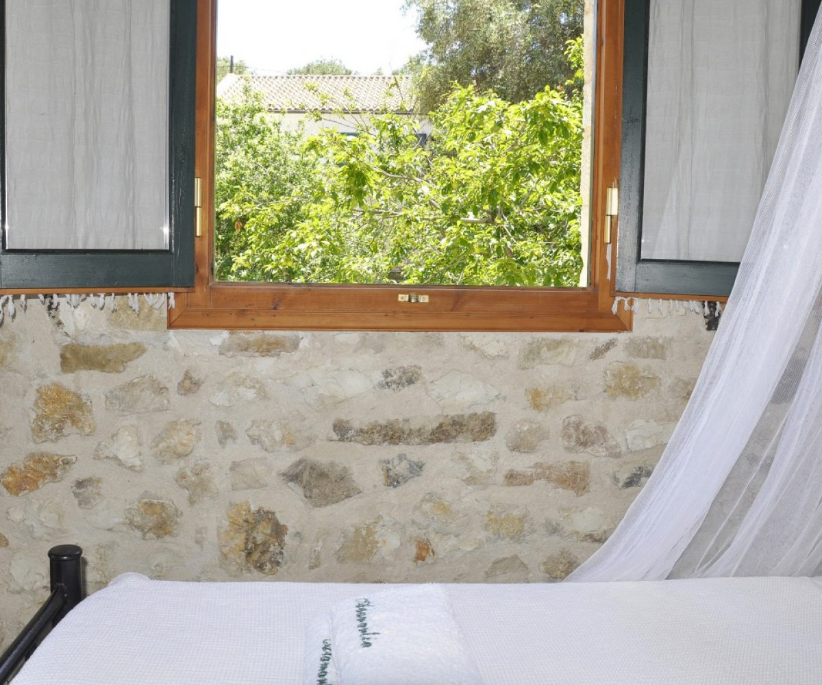 a2-apartment-adamantia-hotel-paxos-4