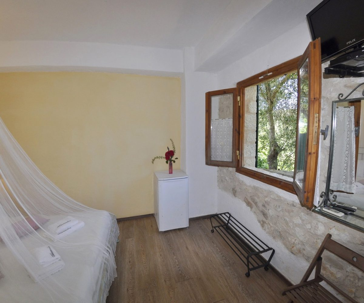 a3-apartment-adamantia-hotel-paxos-4
