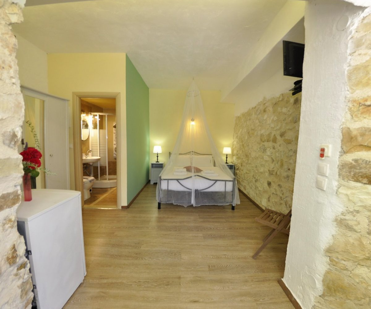 a4-double-room-adamantia-hotel-paxos-11