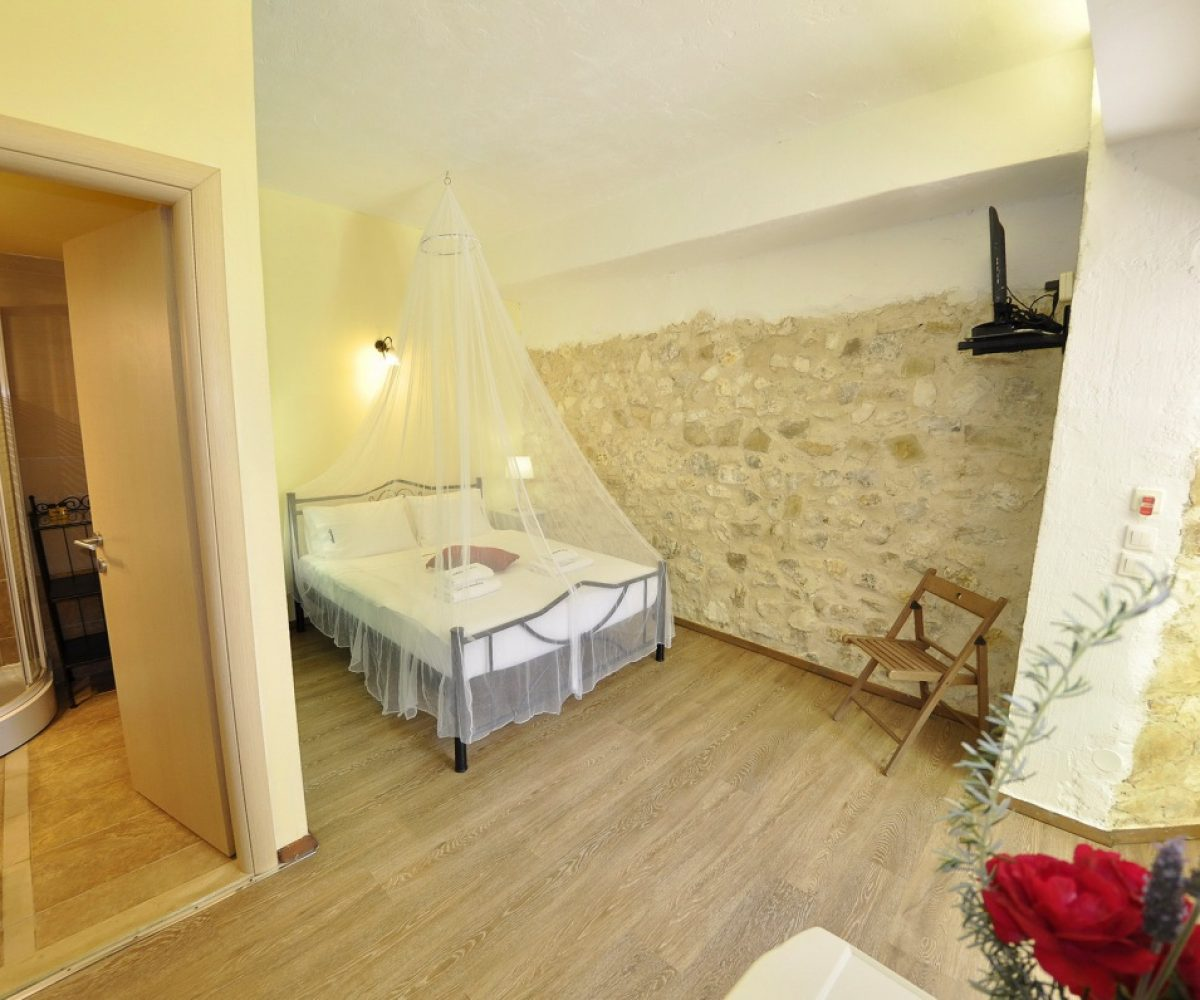 a4-double-room-adamantia-hotel-paxos-7
