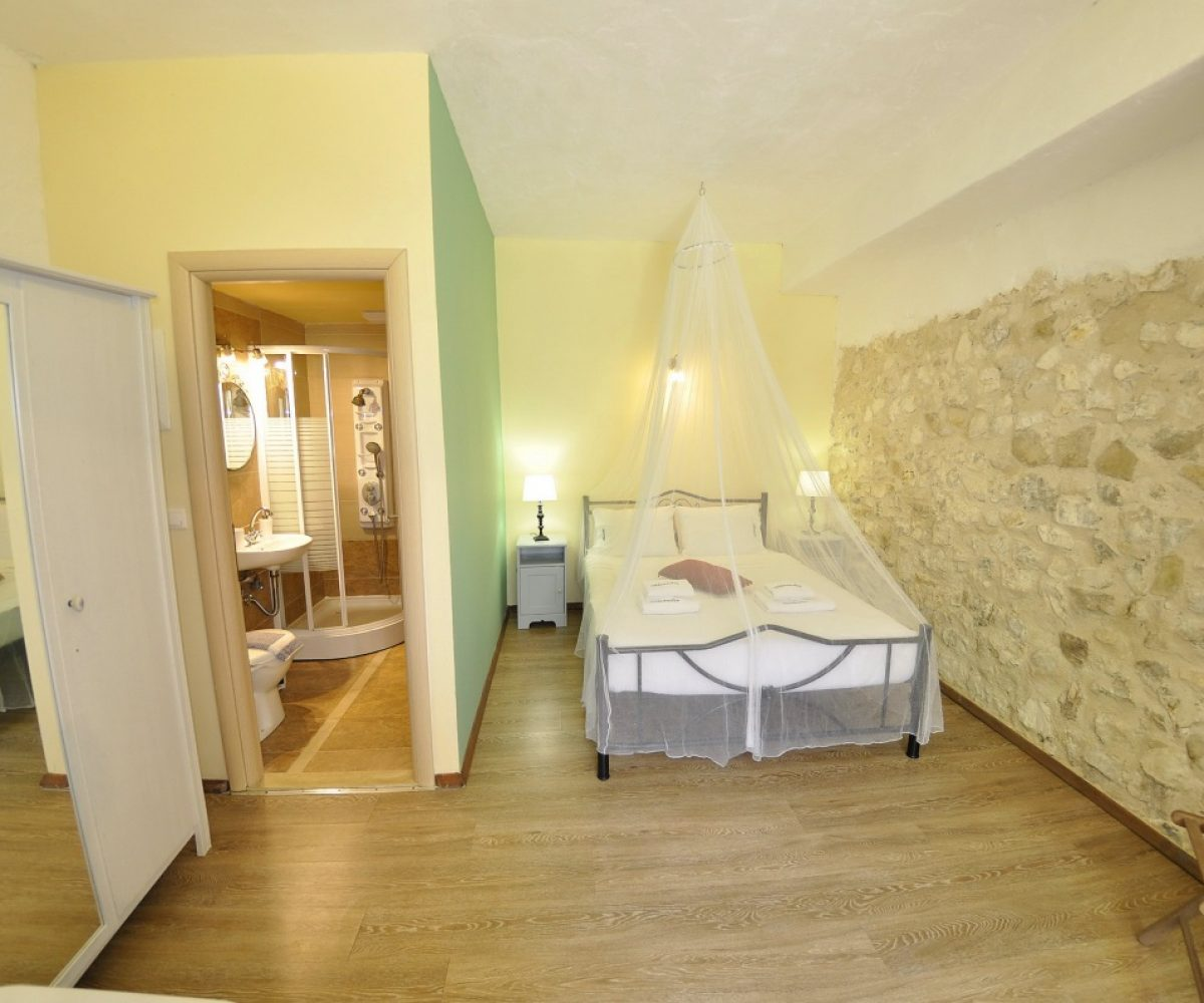 a4-double-room-adamantia-hotel-paxos-8