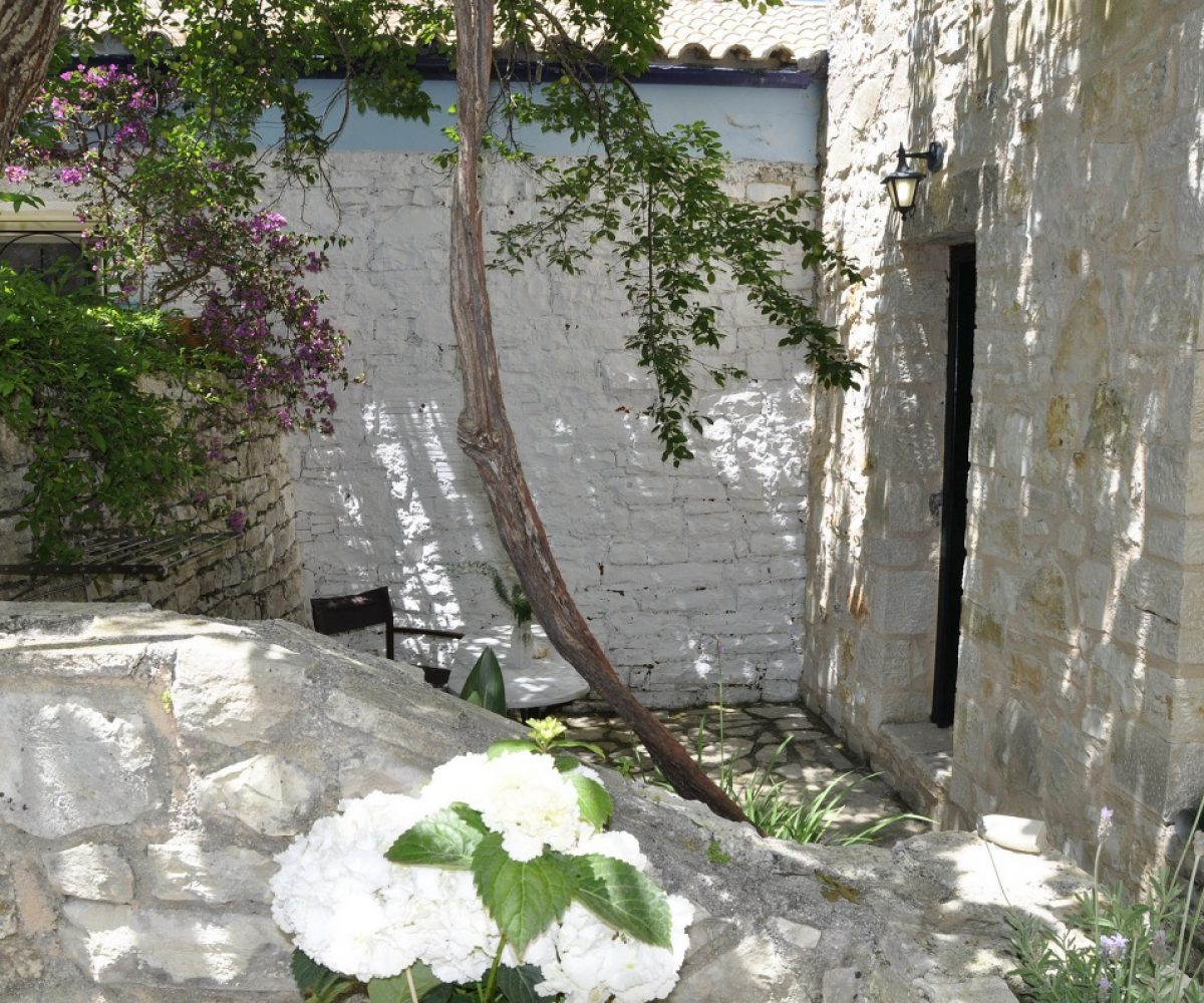 a5-apartment-adamantia-hotel-paxos-4