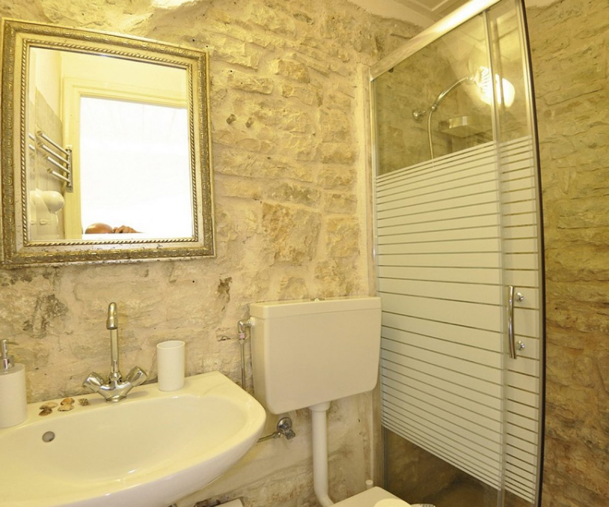 d1-triple-room-adamantia-hotel-paxos-3